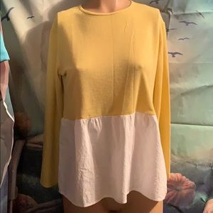 New from Spain Lightweight yellow sweater Small